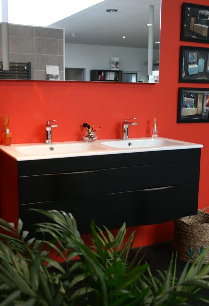 fond rouge double vasque
